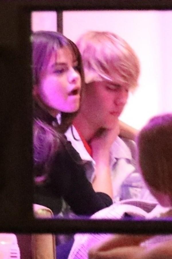 Justin Bieber e Selena Gomez (Foto: AKM-GSI)
