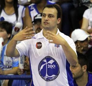 técnico Léo Costa, Macaé x Tijuca, final do Torneio Carioca de basquete (Foto: Tiago Ferreira/Divulgação)