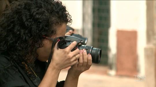 Exposição fotográfica mostra talento de jovens surdos