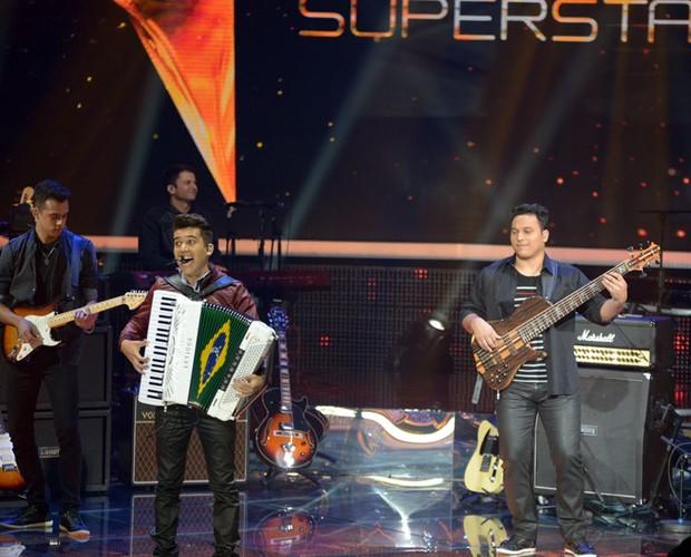 Luan e Forró Estilizaco palco Top 12 (Foto: Camila Serejo/TV Globo)