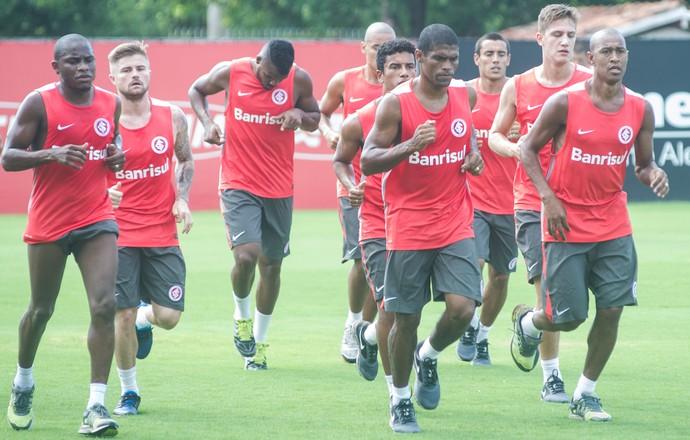 Inter volta aos treinos após férias (Foto: Alexandre Lops/Divulgação, Inter)