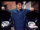 Leandro, do KLB, comemora uma semana de vida das filhas gêmeas