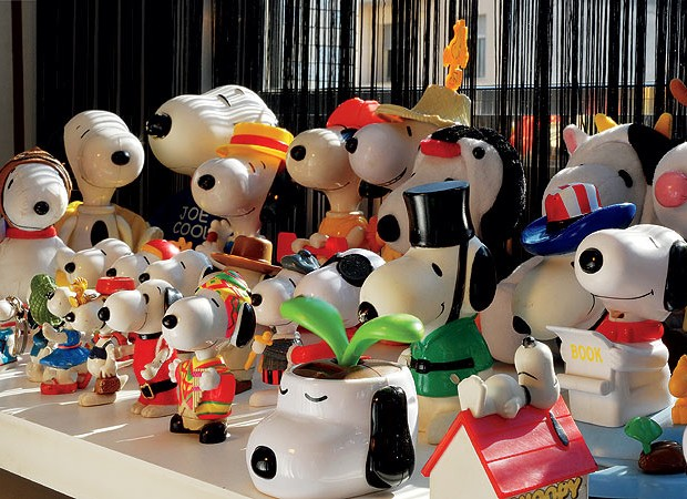 A coleção de mais de 30 Snoopys remete à infância do morador (Foto: Casa e Jardim)