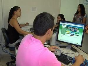 Demoras no Fies deixam estudantes apreensivos (Foto: Reprodução/TV Globo)