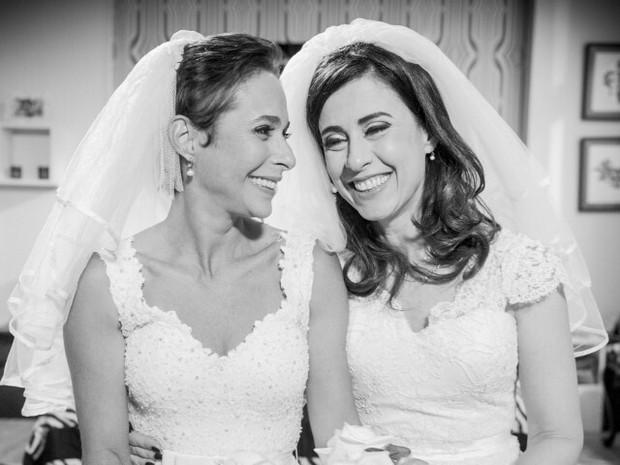 Andréa Beltrão e Fernanda Torres em ação em Tapas e Beijos (Foto: Instagram/ Reprodução)