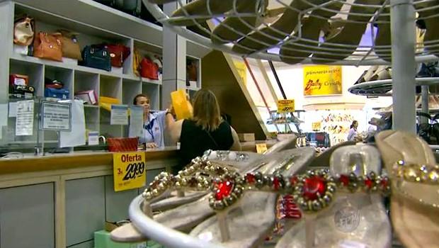 Conheça os direitos de consumidor na hora de trocar mercadorias (Foto: Reprodução EPTV)