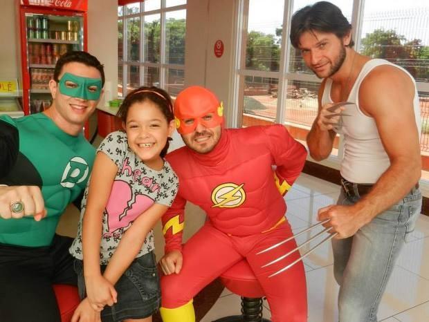 Sósia de Wolverine integra projeto voluntário para crianças com câncer (Foto: Heróis na Luta Contra o Câncer/ Arquivo Pessoal)