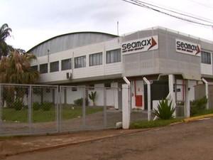 Fábrica de aviões Seamax em São João da Boa Vista (Foto: Eder Ribeiro/ EPTV)
