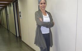 Giulia Gam levou referências do visual de Bruna para o guarda-roupa pessoal