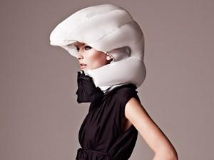Sistema infla bolsa em fração de segundos para proteger cabeça do ciclista (Foto: Divulgação)