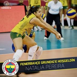 Natália vôlei Fenerbahçe (Foto: Reprodução/Facebook)