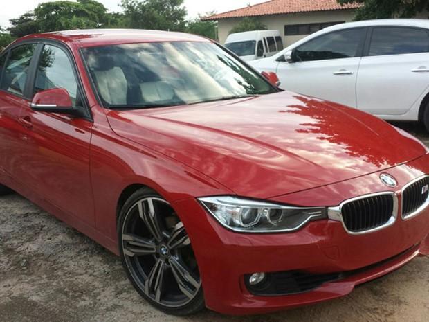 BMW também foi apreendida durante operação da Senarc na casa de James Onda (Foto: Divulgação / Senarc)