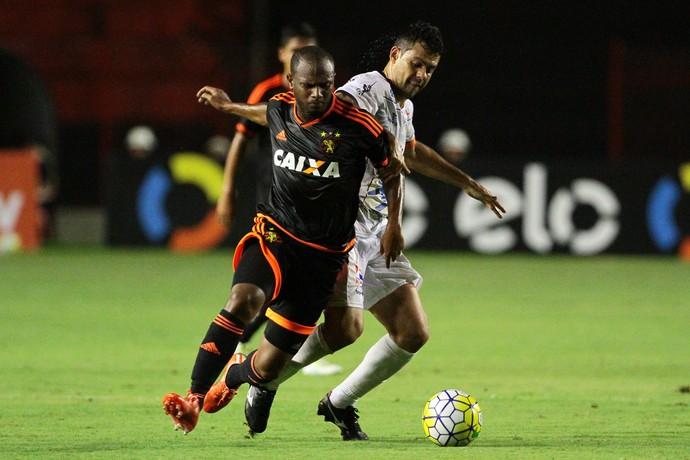 Sport x Aparecidense (Foto: Aldo Carneiro / Pernambuco Press)