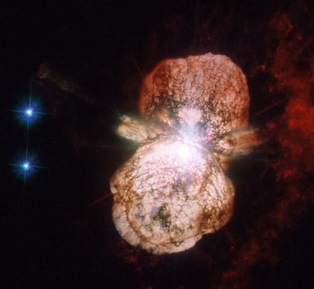 25 anos do Telescópio Espacial Hubble: O sistema de Eta Carinae, duas estrelas que estão perto do final de suas vidas