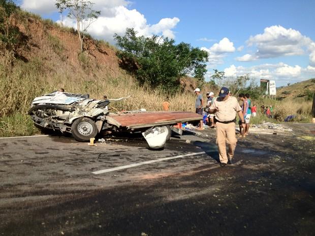 Acidente em Mimoso do Sul (Foto: Ted Conti/TV Gazeta)