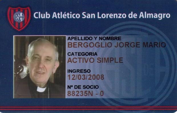 Carteirinha de sócio torcedor recebida no centenário do clube em 2008 (Foto: Club Atletico San Lorenzo de Almagro/AP)