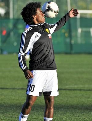 Willian treino Anzhi (Foto: Reprodução / Site Oficial)