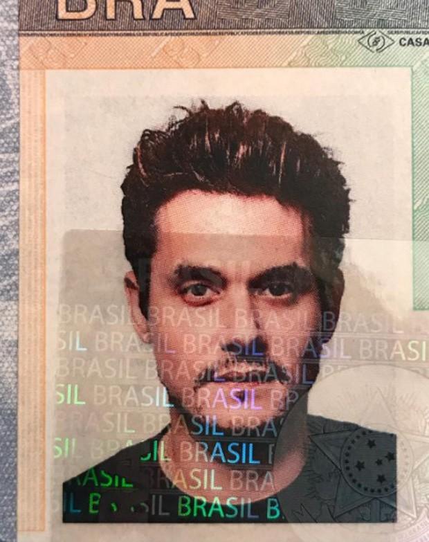John Mayer mostra visto brasileiro antes de shows no País (Foto: Reprodução/Instagram)
