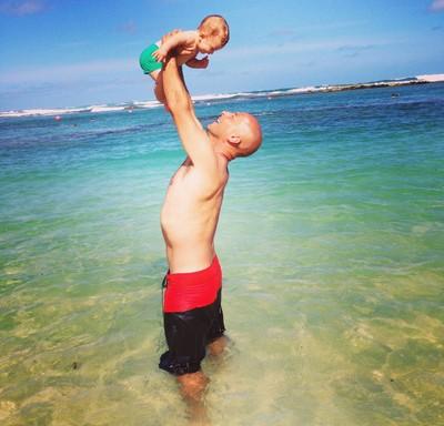 Sylvio mistura a paixão pelo mar e pelo filho (Foto: Acervo Pessoal)