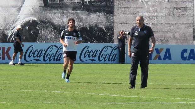 Pato tite Corinthians (Foto: Diego Ribeiro)