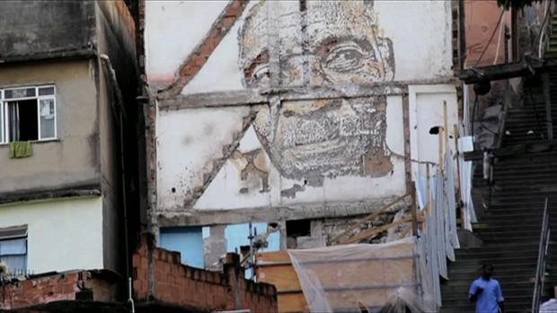 Obra do artista urbano português Alexandre Farto, conhecido como Vhil (Foto: BBC)