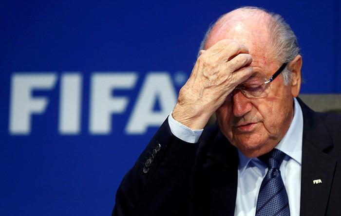 Joseph Blatter renuncia à presidência da Fifa