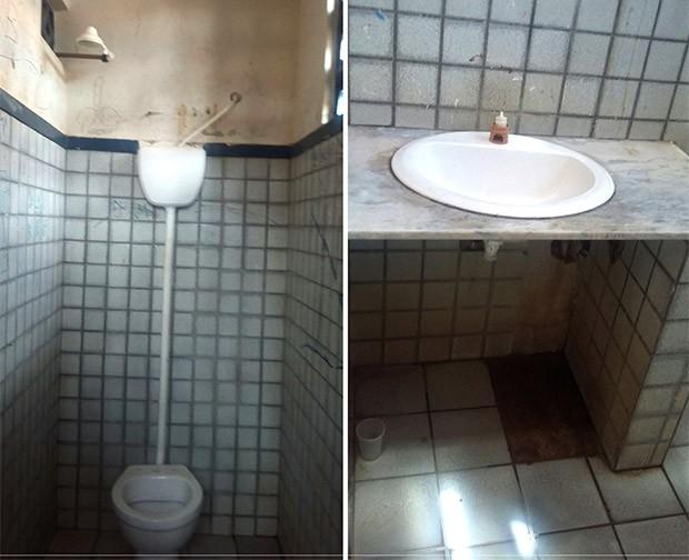São várias as deficiências nos banheiros, desde local inapropriado para banho até a ausência de torneiras nas pias (Foto: Divulgação/MP)