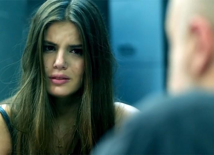Angel fica desesperada! (Foto: TV Globo)