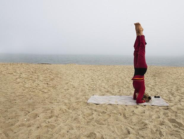 posição Yoga surfista (Foto: Getty Images)