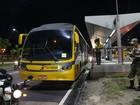 Ônibus tem pane e pega fogo na Av. Cosme Ferreira, em Manaus