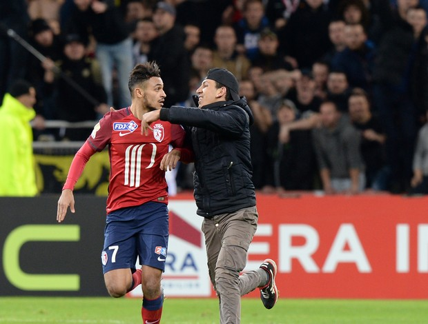 Invasão torcida Lille goleia Bordeaux Copa da Liga Francesa