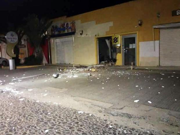 Banco foi alvo de ataque em São Gonçalo dos Campos. (Foto: Sandro Araújo/ São Gonçalo Agora)