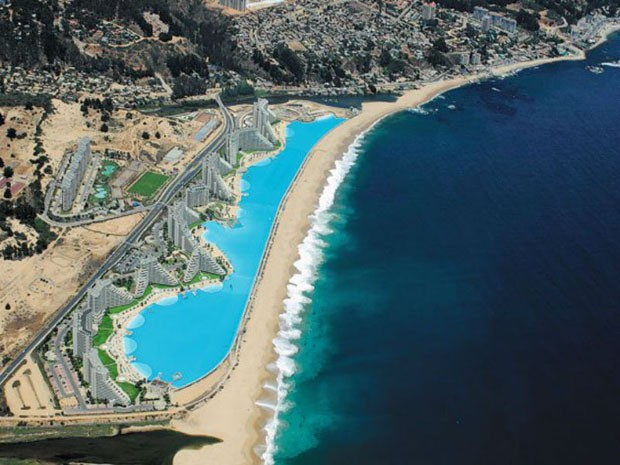 Conhe a a maior piscina do mundo casa vogue lazer cultura for Piscina hotel w santiago