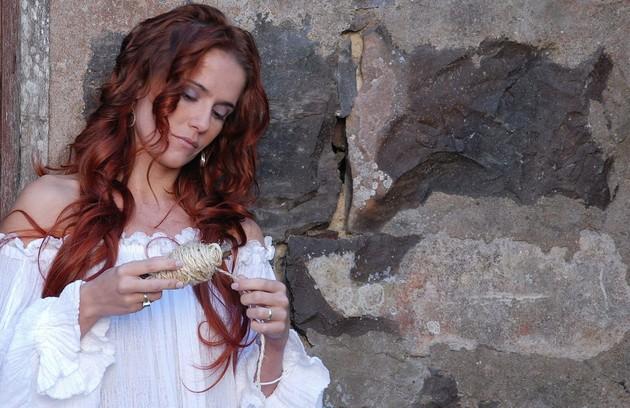 Ruiva em cena de 'Decamerão', de 2009 (FOTO: TV Globo)