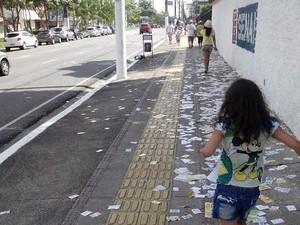 Santinhos perto do Senai, em Belém (Foto: Bruno Quintella/ Arquivo Pessoal)