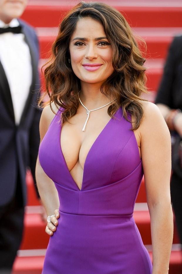 Salma Haykek não cede às pressões estéticas das estrelas de Hollywood (Foto: divulgação)