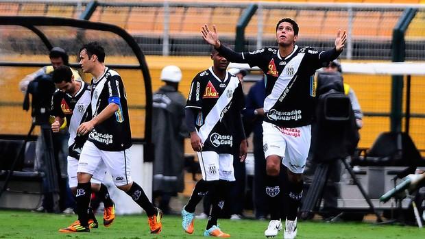 willian magrão ponte preta gol corinthians (Foto: Marcos Ribolli / Globoesporte.com)