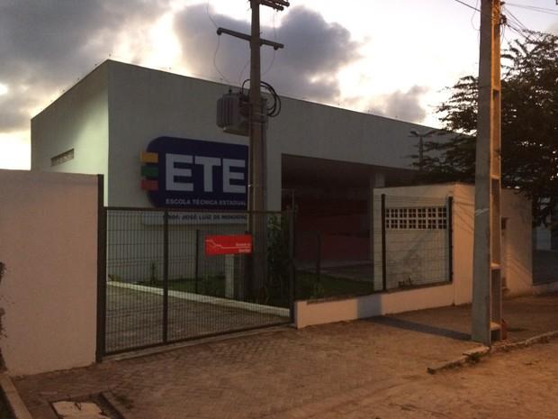 Escola Técnica Estadual Professor José Luiz de Mendonça (Foto: Magno Wendel/ TV Asa Branca)