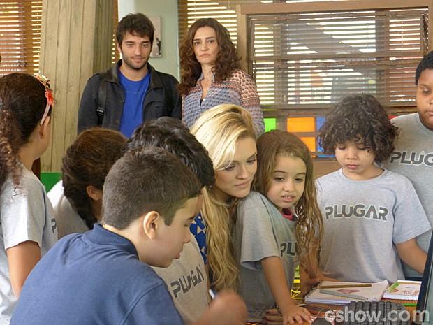 Davi fica supreso quando vê Megan na Plugar (Foto: Geração Brasil/TV Globo)