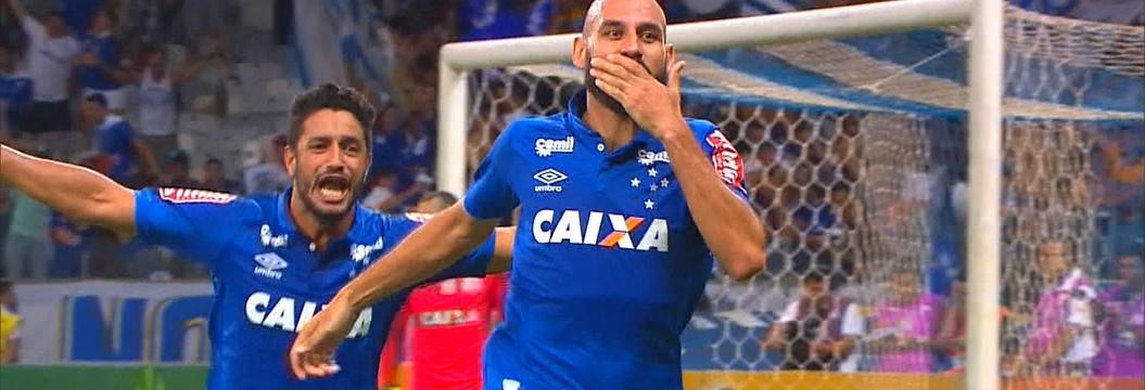Cruzeiro vence o Corinthians e se classifica para as semifinais da Copa do Brasil