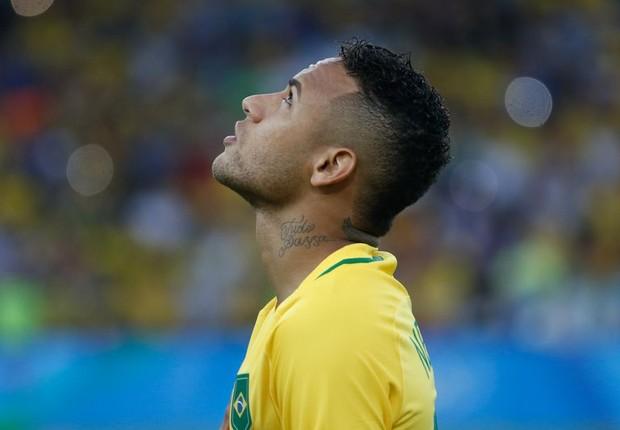 Neymar bateu o último pênalti que levou a seleção brasileira à inédita medalha de ouro (Foto: Fernando Frazão/Agência Brasil)