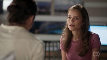 Luana questiona Nicolau sobre a doença