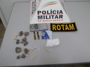 Material apreendido com adolescente em Pará de Minas (Foto: Polícia Militar/ Divulgação)