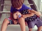 Claudia Leitte mostra filhos em momento fofo: 'Compartilhando amor'