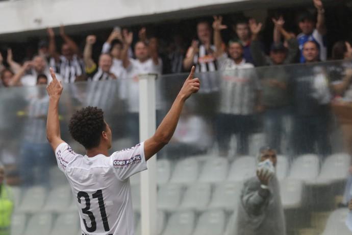 Marquinhos Gabriel Santos x Fluminense (Foto: Ag. Estado)