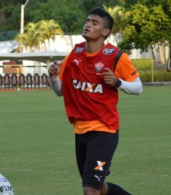 ramon em treino do Vitória (Foto: Francisco Galvão / Divulgação / E.C. Vitória)