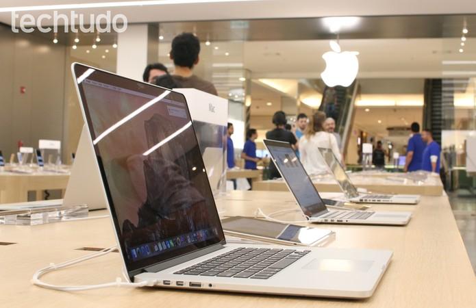 Produtos expostos na Apple Store do Morumbi  (Foto: Fabrício Vitorino/TechTudo)