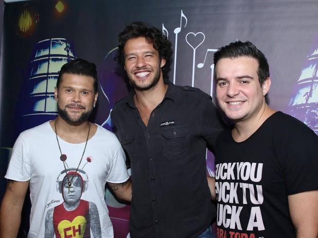 Marcos, Nando Rodrigues e Belutti em show em São Paulo (Foto: Thiago Duran/ Ag. News)