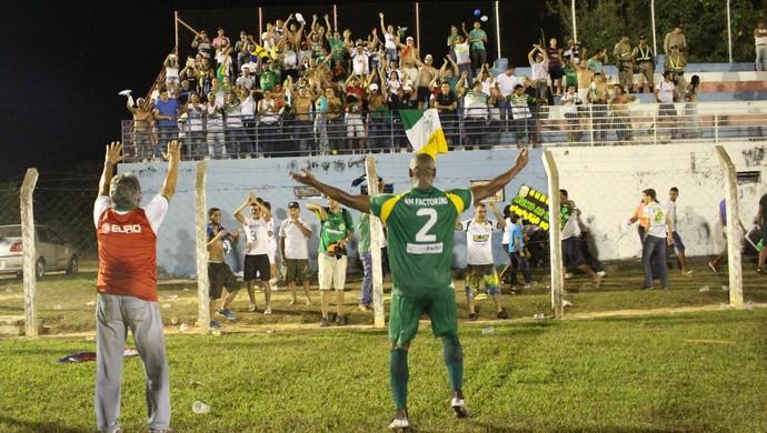 Torcida do Gurupi vibrou o título junto com o time e Roberto Oliveira (Foto: Vilma Nascimento/GloboEsporte.com)