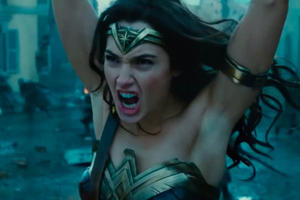 Cena do trailer do filme com a Mulher-Maravilha (Foto: Reprodução)
